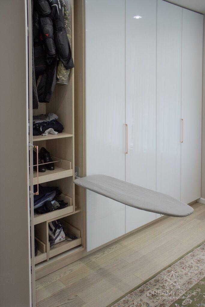 """Шкаф """"гармошка"""" - складные двери Hettich"""