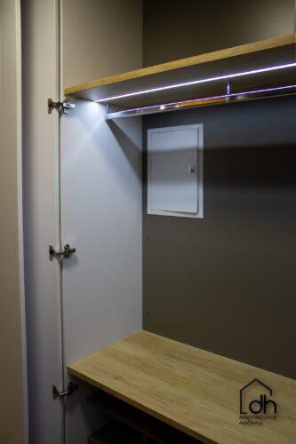 Гардеробная со складной дверью